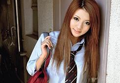 制服のままハメてもOKな美少女JKが我が家にやってくる 月野りさ