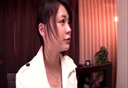 巨乳ロリ少女がファン男性の自宅へ肉体訪問! 鶴田かな