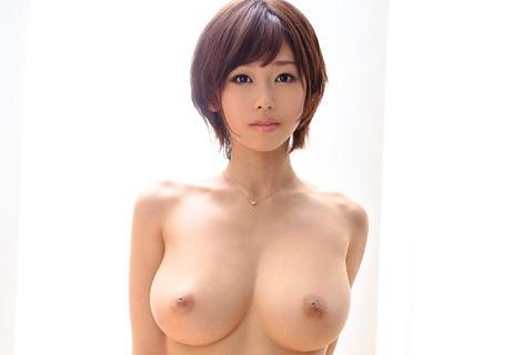 1作限定でAVデビューが決まった奇跡のHカップ美女「蒼井楓」の画像です
