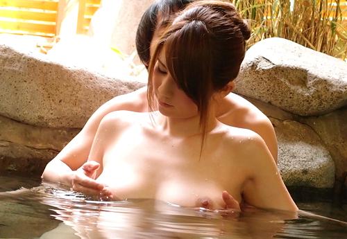 混浴温泉で出会った巨乳美人と一夜限りの中出しSEX