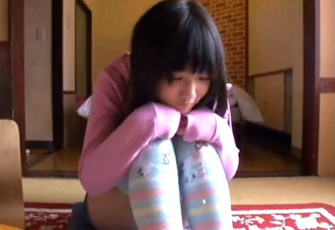 個人撮影 小○生くらいかと思ったら凄い乳してた少女