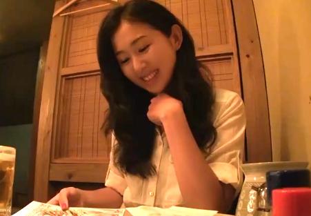 博多在住の妖艶な三十路奥様ともつ鍋デートの後にホテルで…
