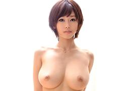 1作限りでAV引退する奇跡のHカップ美女「蒼井楓」