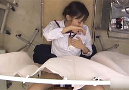 産婦人科を訪れた幼い少女がチ●コを挿入されてしまう…