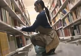 レイプ。図書室で痴漢にあい大量に潮吹かされハメられた美人司書