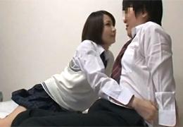 クラスのエッチな女子に押し倒されて童貞卒業!