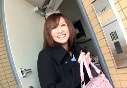 笑顔が可愛い女子大生宅に訪問しプリケツを突きまくる!