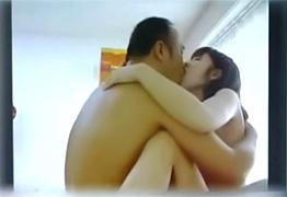 ライブチャットでSEX中継した父と娘の衝撃映像