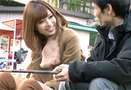 絶世美少女『加藤リナ』がファンの素人男性とデート!