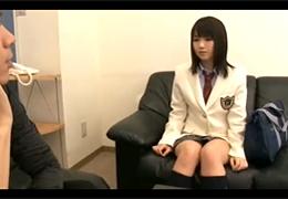 芸能スカウトと称して女子校生に声をかけ撮影テストと騙して中出し!