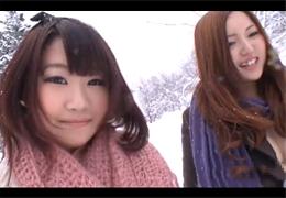 雪国出身のウブな素人娘と生ハメ3P!
