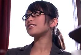 バキュームフェラが超絶エロい美人秘書