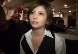 超美形なショットバー店員をホテルに連れ出してSEX