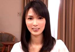 笑顔が爽やかな黒髪美女が、「気持ちぃぃぃぃぃ!!」とはしたない大絶叫SEX!!
