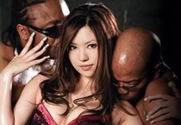 ダブル黒人の極太棒を日本人女優は受け止める事ができるか!? 櫻井美優